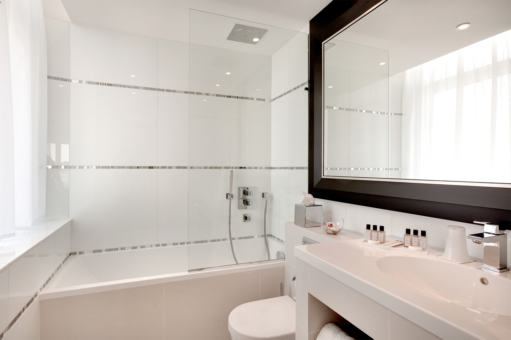 Salle De Bain Chambre salle-de-bain-chambre-ocean-hotel-5-etoiles-luxe-cote-basque