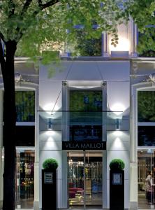 Façade---La-Villa-Maillot-&-Spa-PARIS